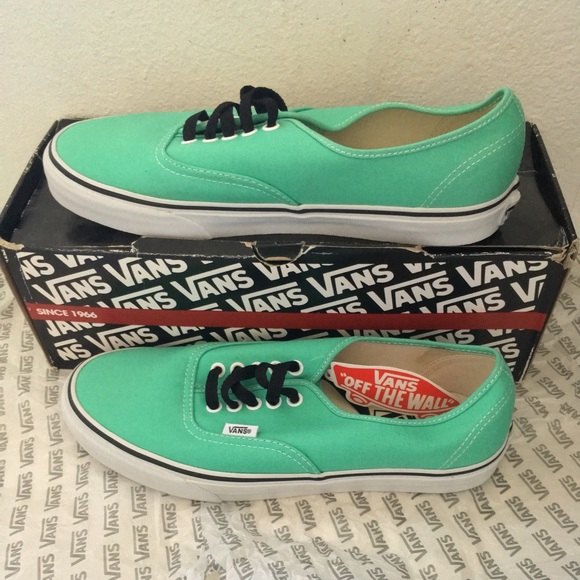 cabee6a14ecf vans authentic biscay green true white
